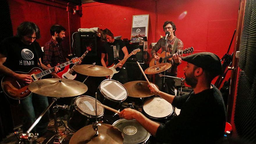 """Triplete rockero local en el Factoría Rock Fest: """"Hammercross"""", """"Mournival"""" y """"Lycosa"""""""