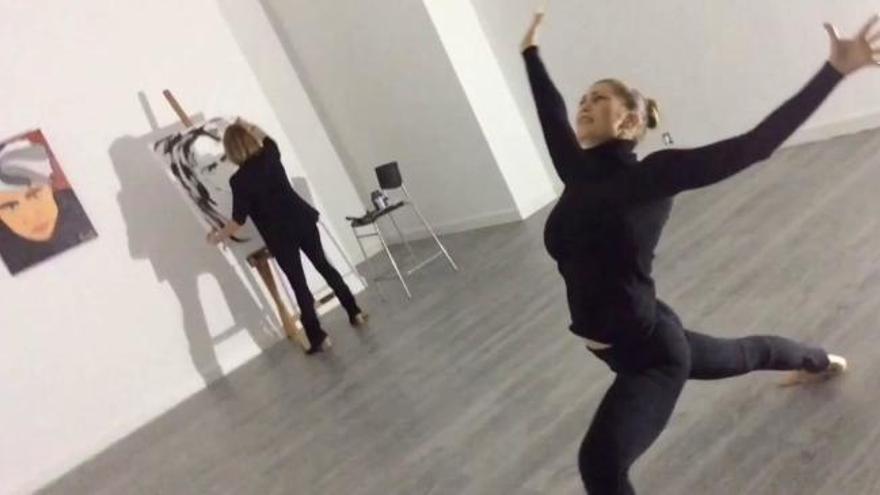 Performance de Vesna Pop Art y Eva Álvarez
