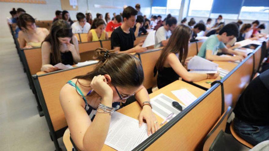 Cómo solicitar tu beca para el curso 2021-2022: grado universitario y máster