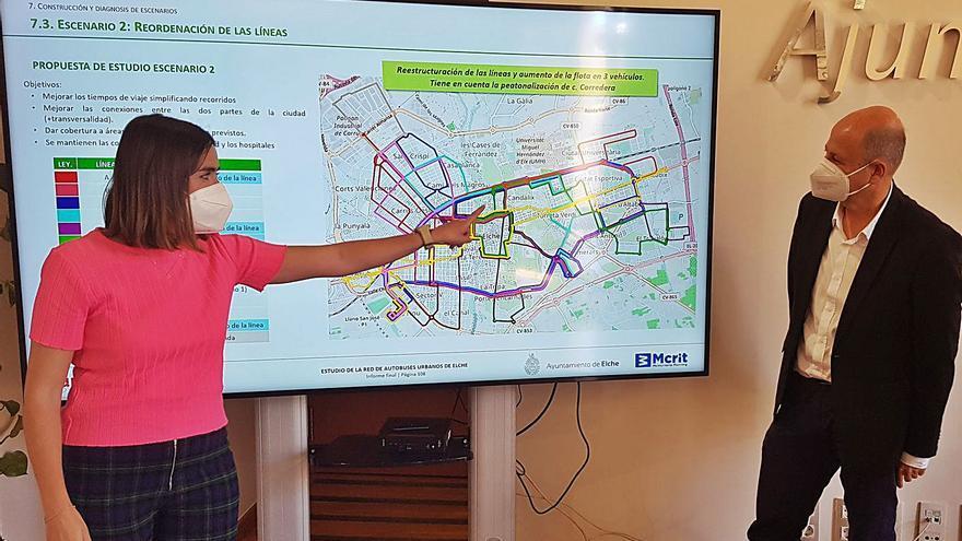 Elche aspira a ganar en el autobús urbano un millón de usuarios en cuatro años