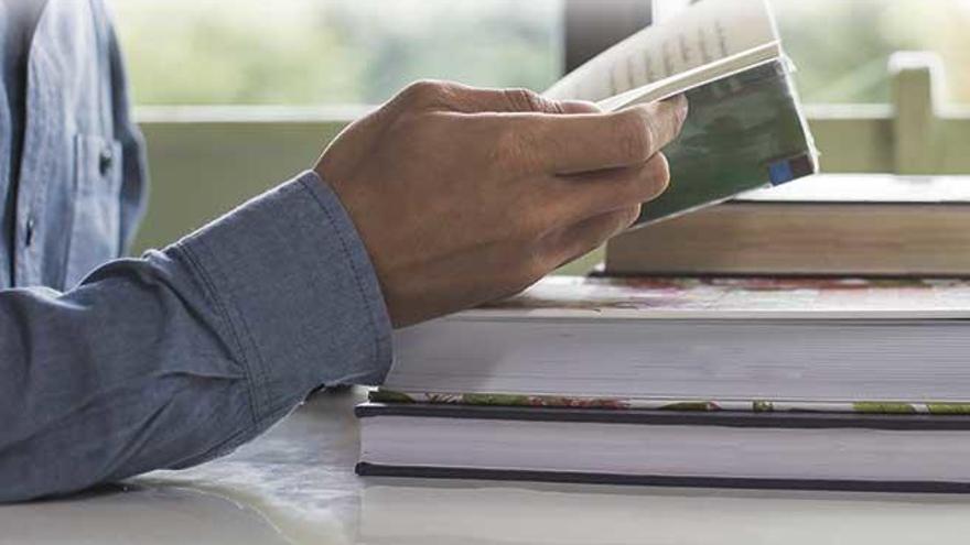 El índice de lectura en Balears sigue por debajo de la media nacional