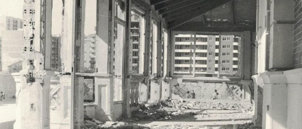 Estado del Palacete de Ayora después de ser abandonado.