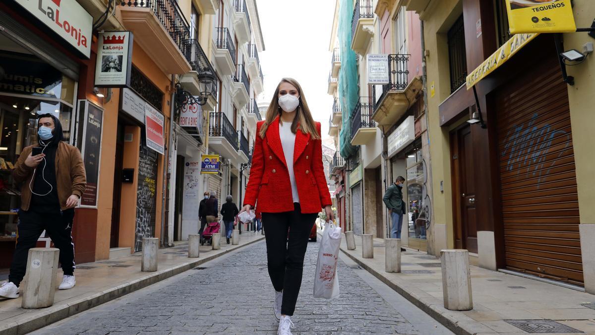 Y la mejor forma era recorrer sus calles con algo tan sencillo como la bolsita del pan del dia.