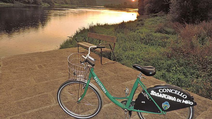 Salvaterra estrea servizo de bicis e oficina de turismo