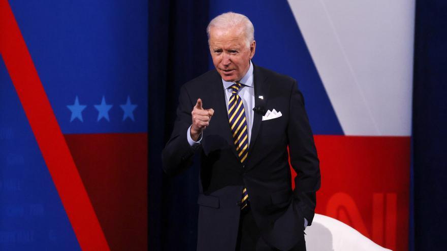 """Biden alerta de que """"el progreso democrático está bajo asalto"""" en EEUU y Europa"""