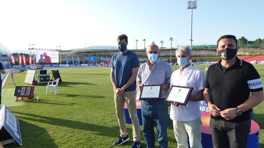 La Nucía homenajea a Domingo Ramón, Villar y Rafa Blanquer durante el Nacional de Clubes de Atletismo