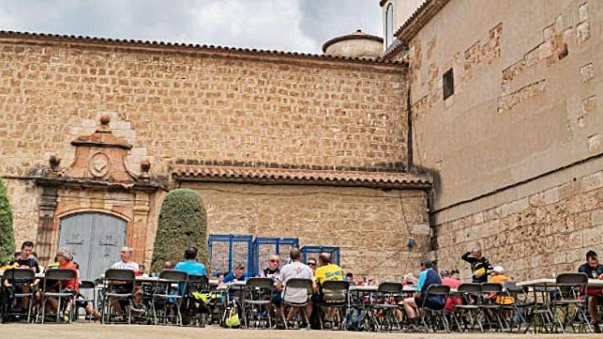 Uns 270 ciclistes d'arreu de Catalunya participen en l'eBike Tour Anoia
