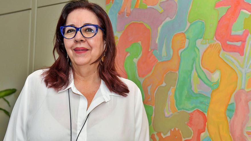 Manuela Armas: «Si fuera por mí, exigiría el certificado de vacunación a la comunidad educativa»