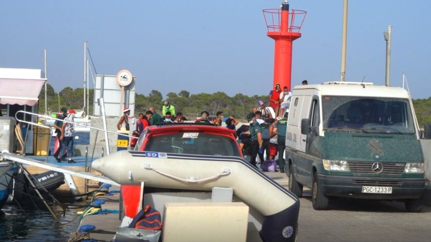 Ankunft eines Boots mit Migranten aus Algerien am 14. August 2021