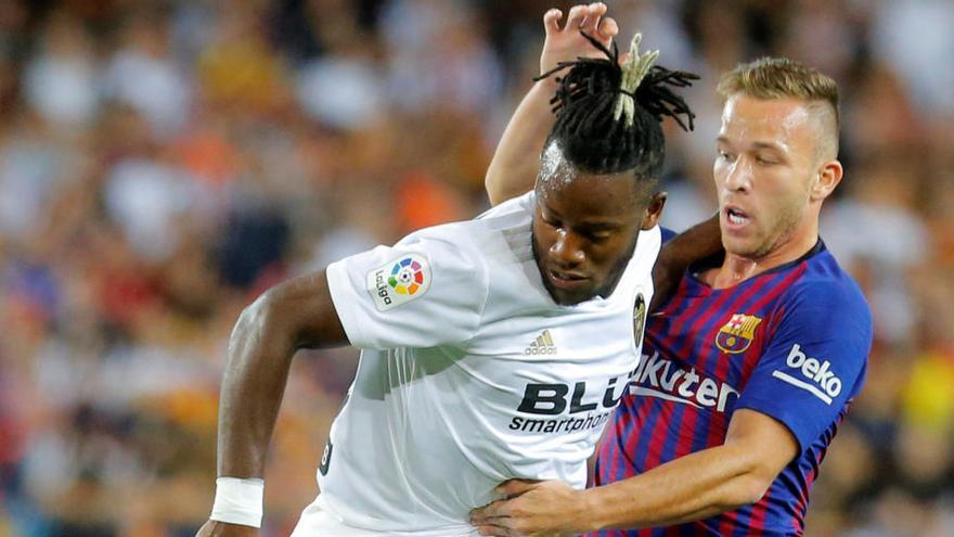 Arthur no se presenta en Barcelona y podría no disputar la 'Champions'