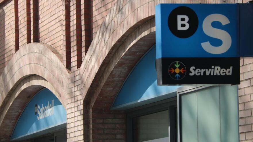 Tres bancs concentrarien el 70% del negoci bancari a l'Estat si es produeixen les fusions anunciades