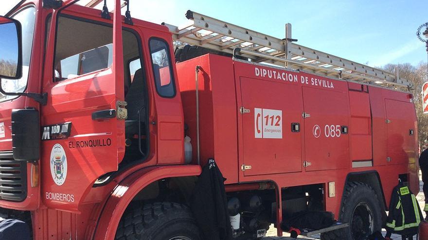 Los bomberos de Sevilla ofrecen su colaboración en el incendio de Sierra Bermeja