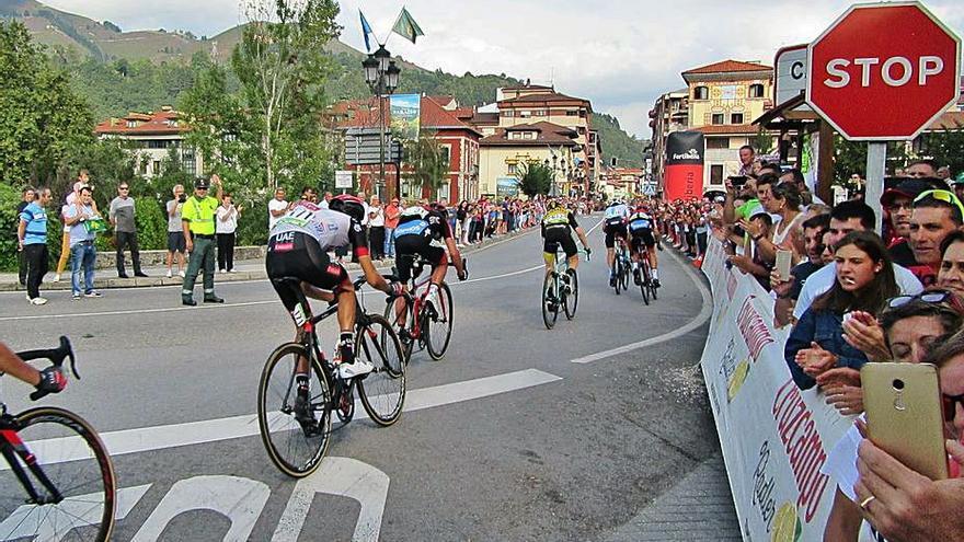 Cangas de Onís quiere volver a estar en la Vuelta