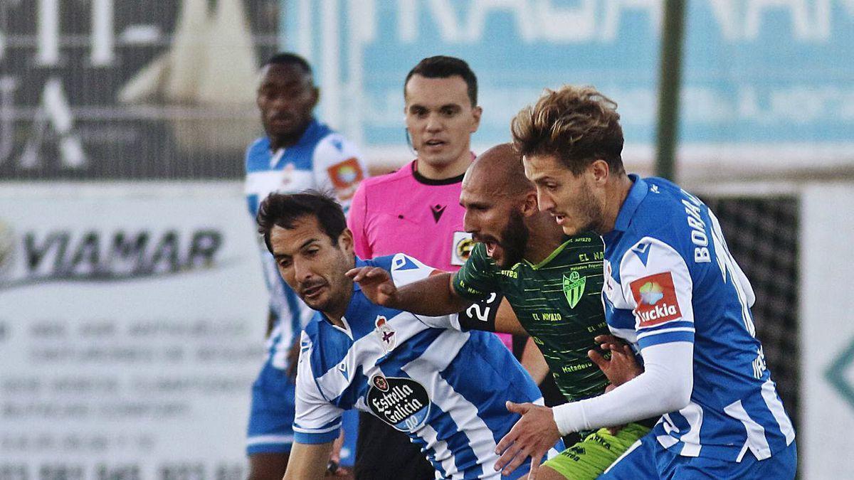 Los deportivistas Borges y Galán, en pugna con Kamal.