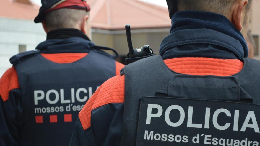 """Detienen a un profesor de la ESO de Tarragona por presuntos """"tocamientos"""" a al menos 4 alumnas"""