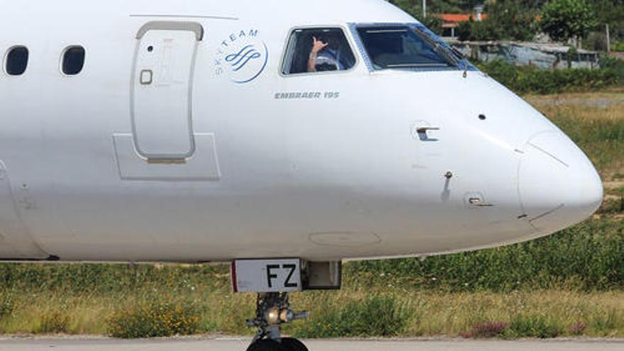 Peinador recupera su segundo pulmón y lanza ofertas para volar a Canarias