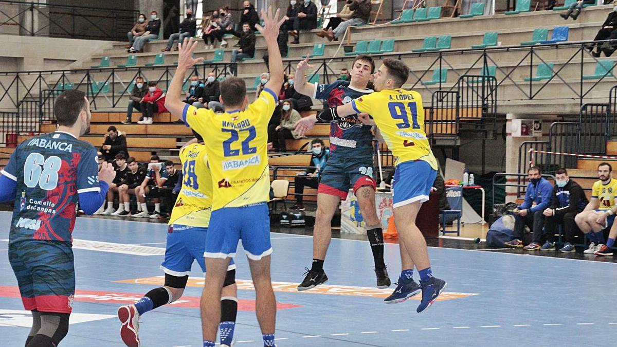 El Luceros es uno de los dos equipos cangueses que podrá seguir entrenando.    // SANTOS ÁLVAREZ