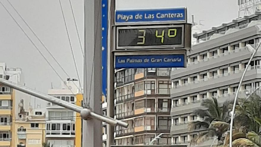 La primera alerta roja por altas temperaturas en Canarias