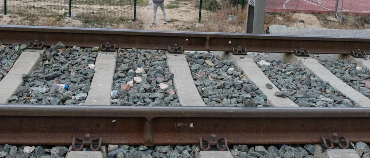 Fallece atropellada por un tren al resbalarse y caer a las vías en Cullera