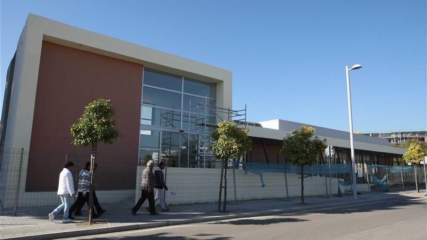 Ya hay una empresa elegida para reanudar y acabar las obras de la piscina del Parque Figueroa