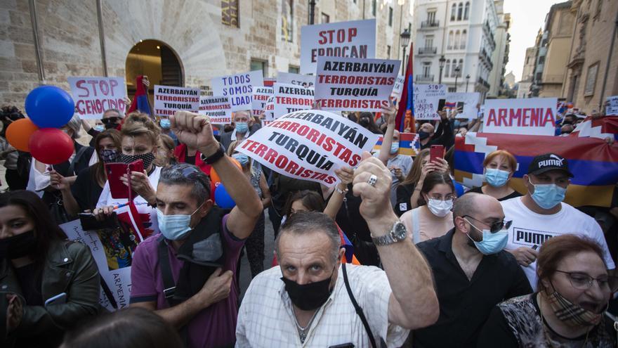 Una riada contra la guerra en Armenia