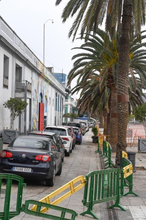 Colas para realizar pruebas PCR en Santa Catalina