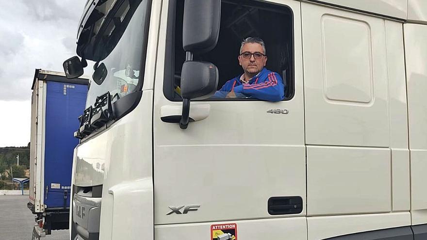 Reino Unido obliga a los transportistas a permanecer recluidos en su camión