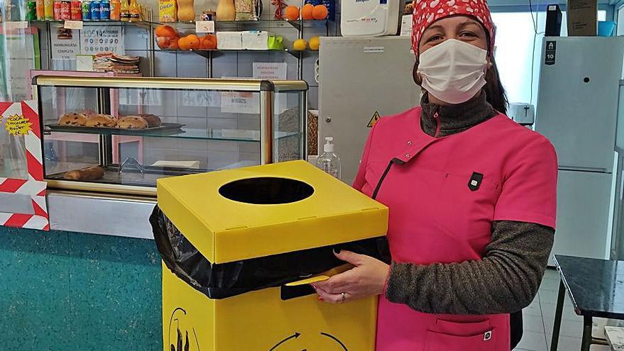El instituto de Almussafes fabrica moldes reciclados