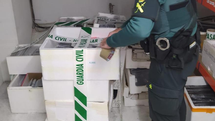 Material incautado en la investigación de la Guardia Civil.
