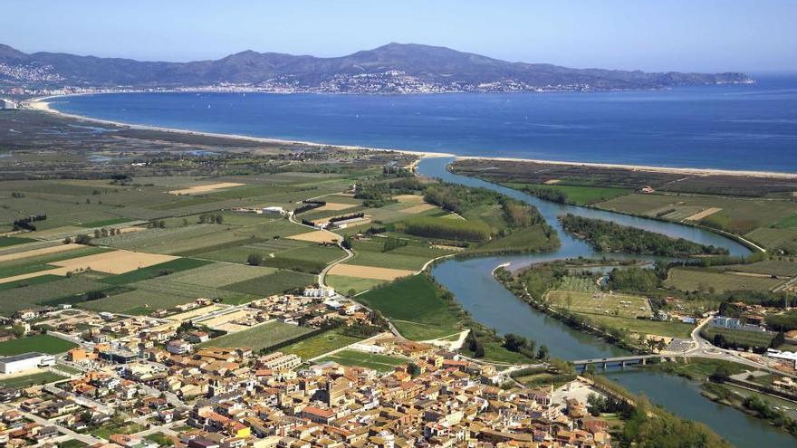 Els alcaldes de Sant Pere i de Roses promocionen la badia al mercat asiàtic