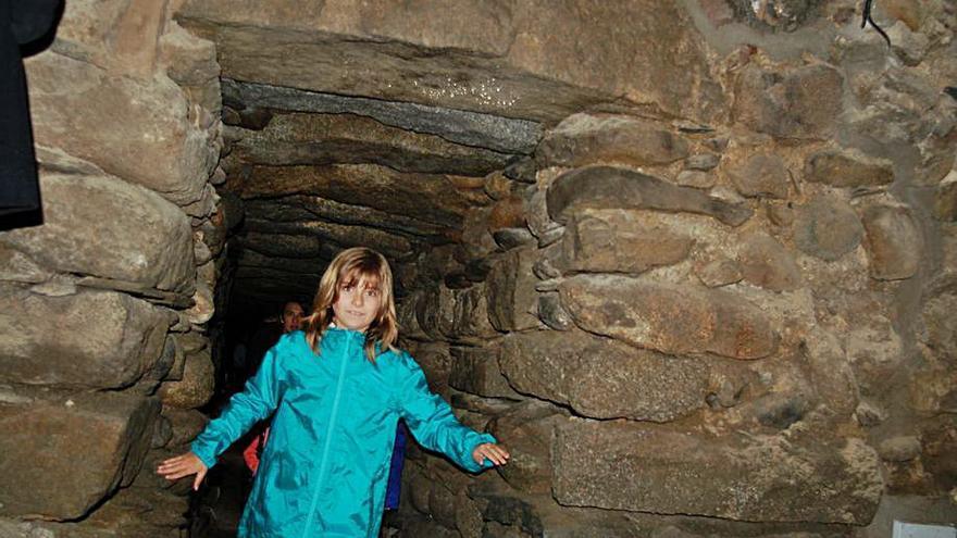 Conèixer la història de Puigcerdà a través de túnels, torres i restes