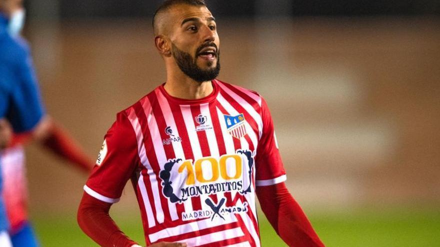 El lateral brasileño Víctor Calarge, nuevo refuerzo para la Peña Deportiva