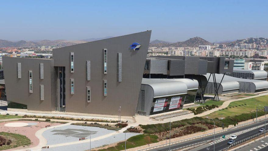 Los profesores de Málaga se vacunarán este jueves en coche en el Palacio de Ferias