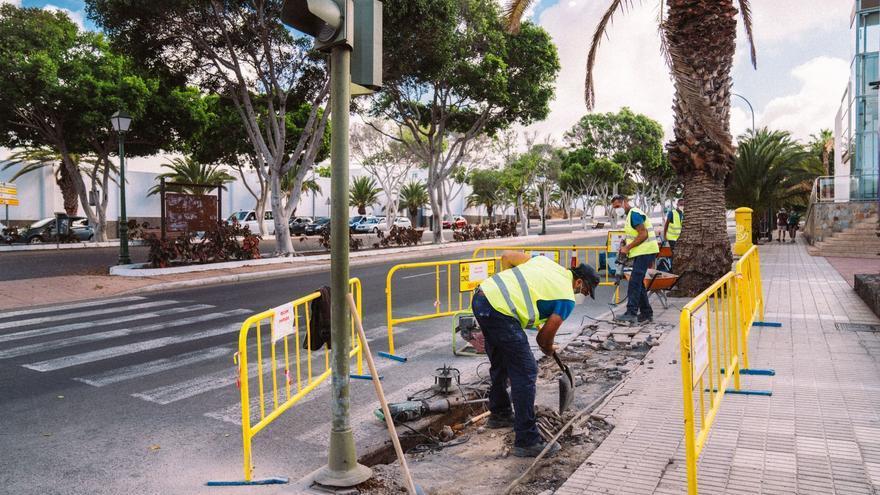 Arrecife mejora la accesibilidad y la seguridad en 15 pasos de peatones