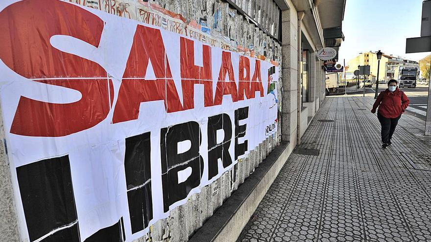 Pancarta en Lalín por el conflicto de Marruecos y el Frente Polisario