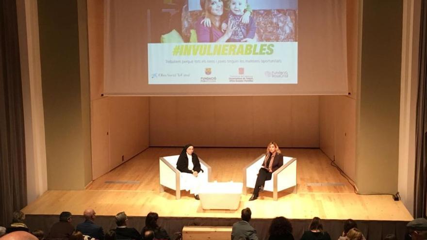 Sor Lucía Caram posa els fonaments del programa #Invulnerables a Figueres