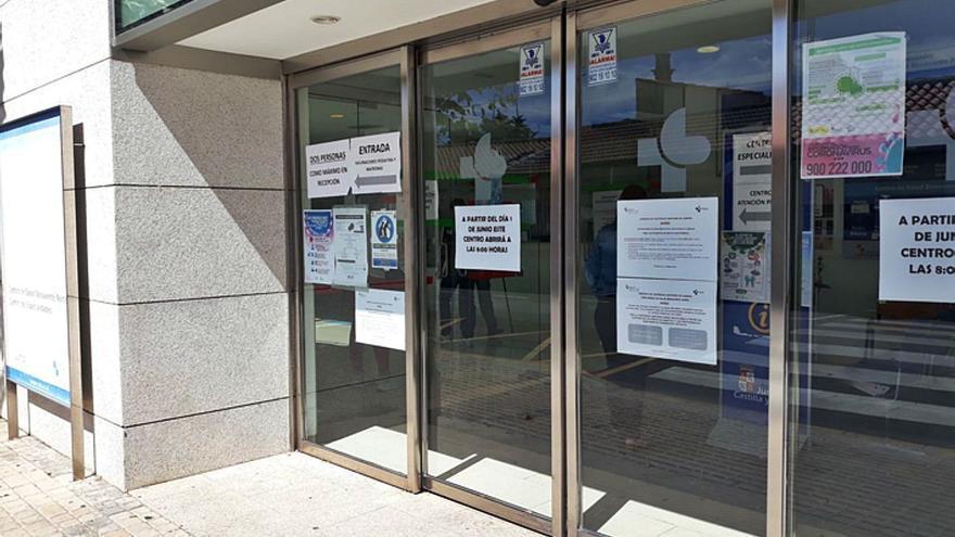 Vecinos de Benavente se quejan de la falta de médicos en Atención Primaria