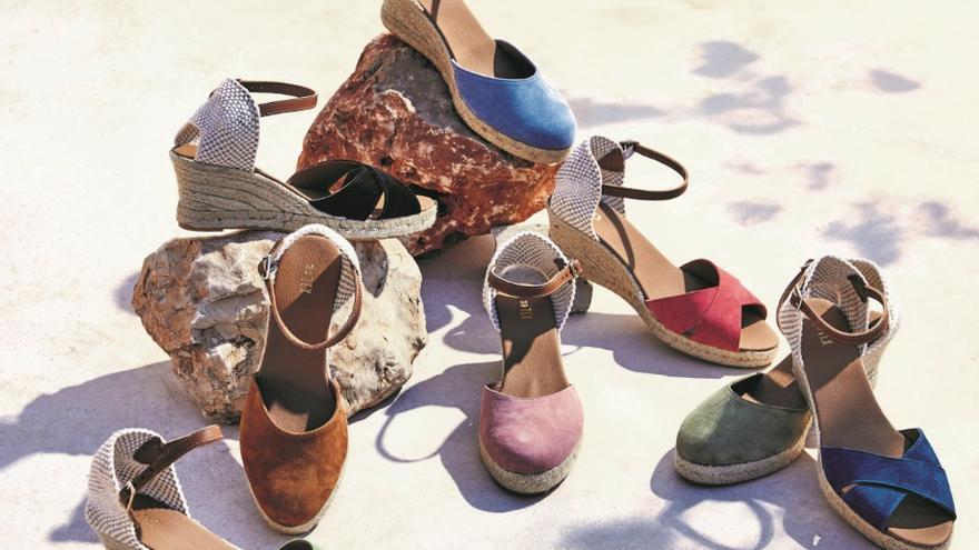 Carrefour cuenta con tres proveedores alicantinos para su gama de calzado