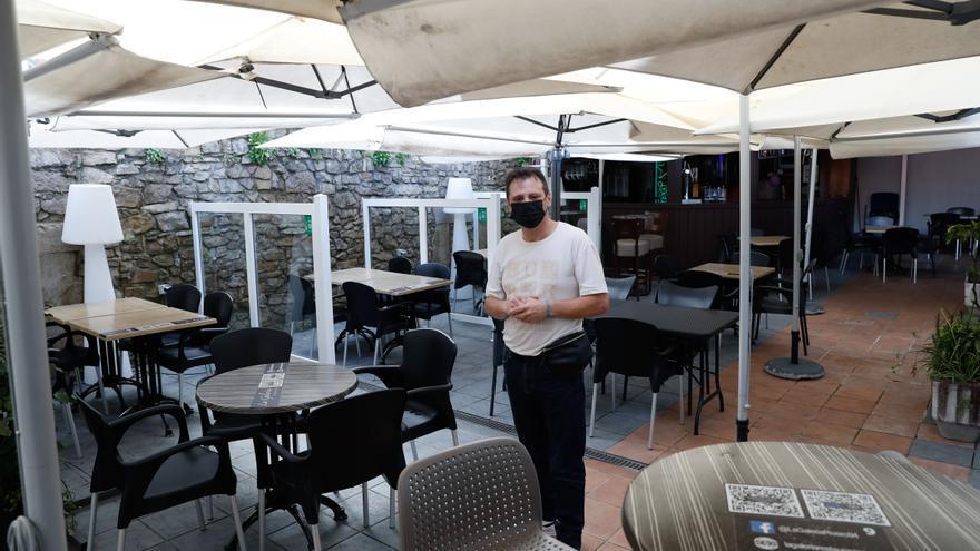"""""""Aquí no hubo ninguna fiesta"""", protesta un hostelero de Rivero denunciado"""