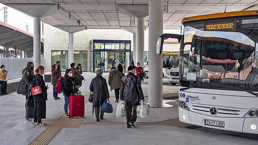 La empresa que gestiona la intermodal prevé alcanzar los 400.000 viajeros al año