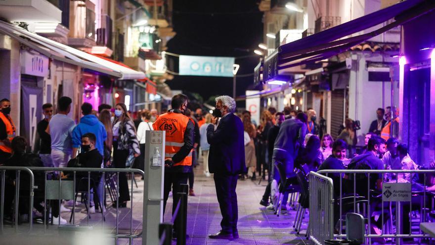 405 personas participan en una fiesta-experimento en Sitges