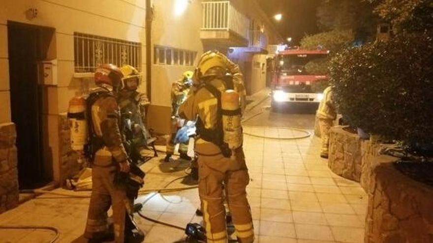 Dues persones ateses per inhalació de fum en l'incendi d'un habitatge a Cardona
