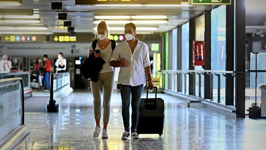 La restricción para viajar a España se amplía al día 30