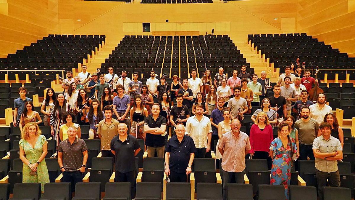 L'equip que formarà part del concert «Emociona't amb la SCCC. 25 anys de Música Global».   PERE DURAN/NORD MEDIA