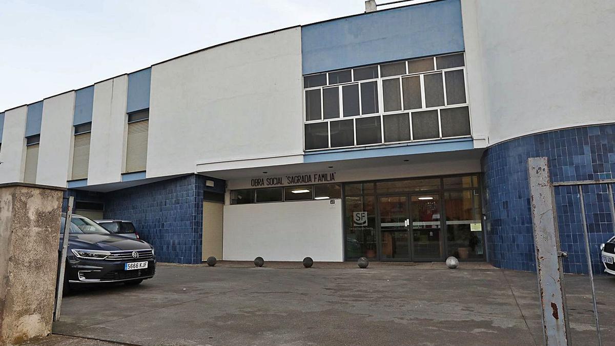 Imatge exteriors del col·legi Sagrada Famíli al barri de Vila-roja de Girona. | ANIOL RESCLOSA