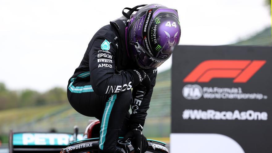 Hamilton se adjudica la 'pole' por delante de Sergio Pérez en Imola