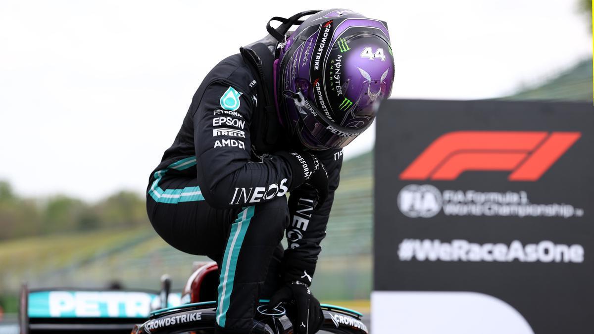 Lewis Hamilton logra la pole en el GP de Emilia-Romaña.