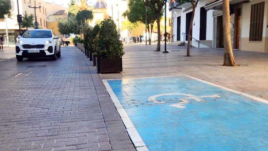 Infracción penal en Alaquàs por estacionar en una plaza de discapacitado de forma fraudulenta