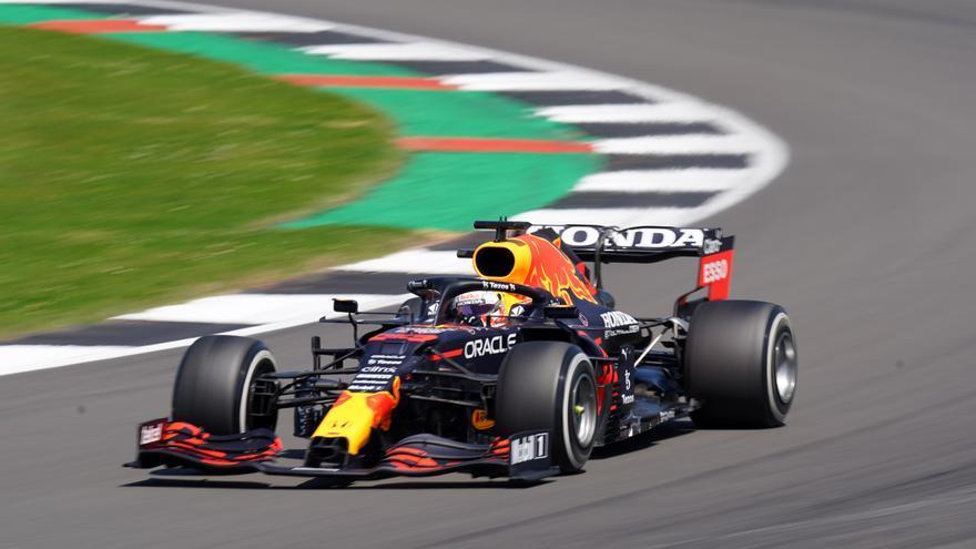 Hamilton y Verstappen protagonizan una nueva pugna por el título