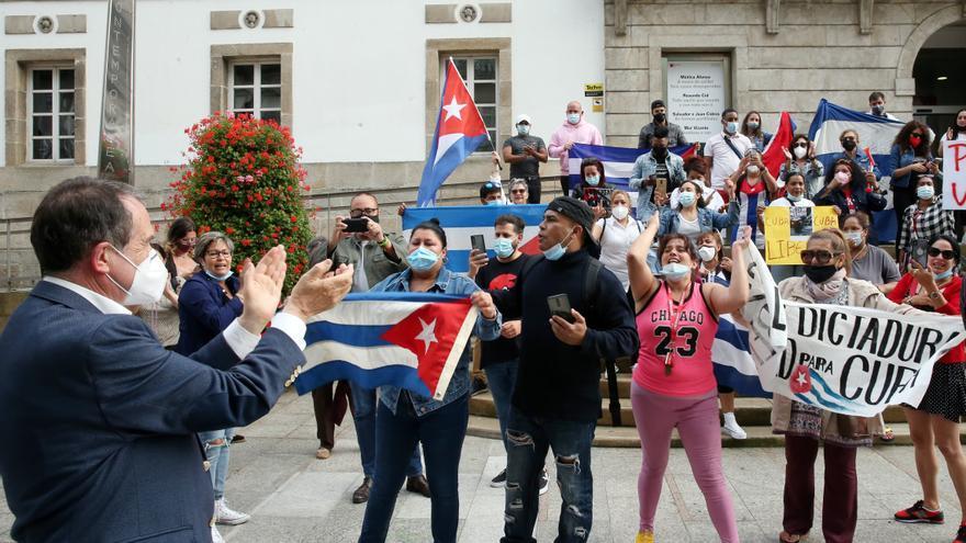 La comunidad cubana de Vigo respalda las revueltas de su país